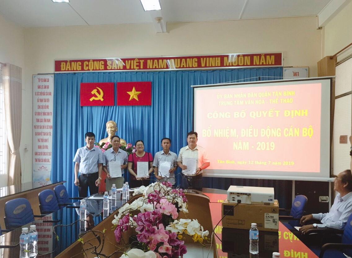TT. Văn hóa – Thể thao Q.Tân Bình trao quyết định điều động và bổ nhiệm cán bộ, viên chức năm 2019.