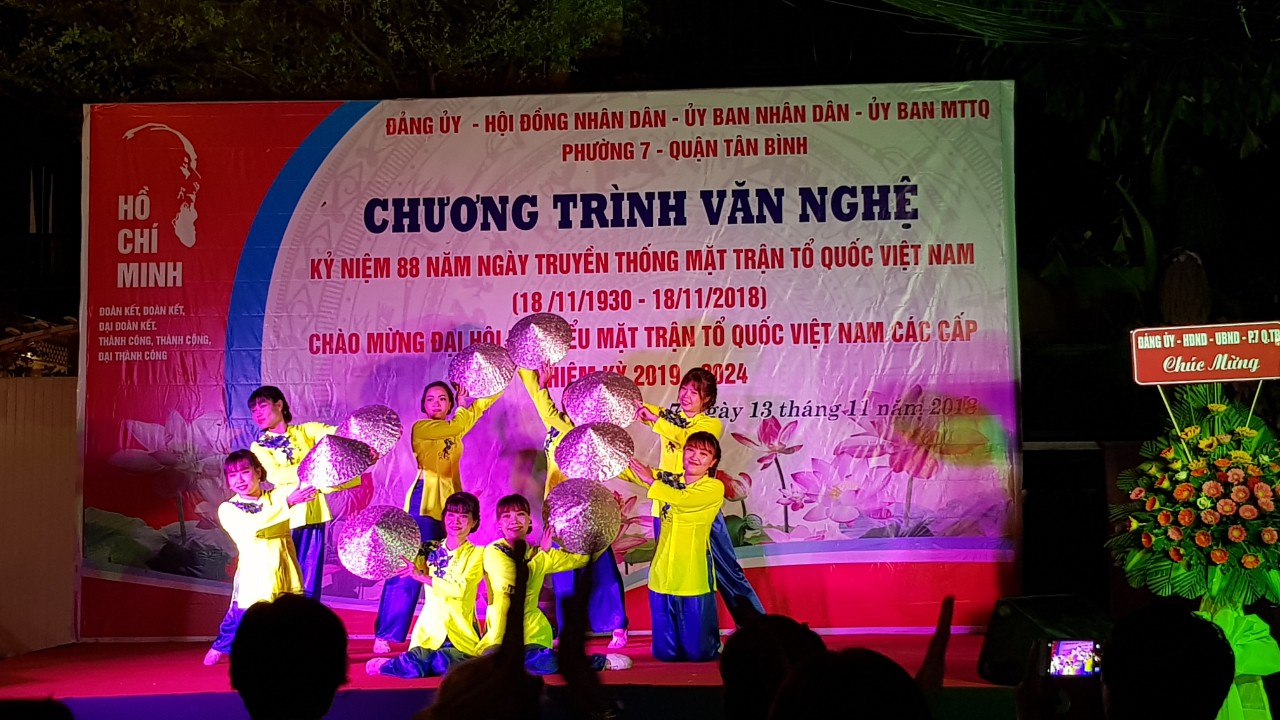 Phường 7: Liên hoan Văn nghệ chào mừng ngày truyền thống Mặt trận Tổ quốc Việt Nam.