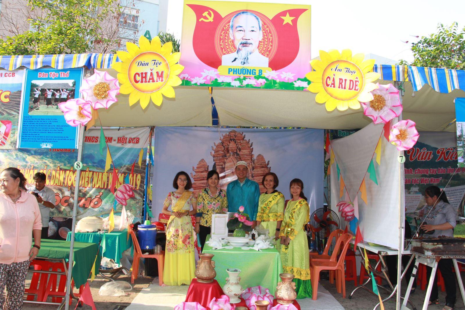 Sôi nổi ngày hội Văn hóa các dân tộc Việt Nam tại quận Tân Bình