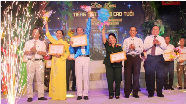 CLB Hoa Trường Sơn tham gia Liên hoan Tiếng hát người cao tuổi Truyền hình Bình Dương lần thứ XV - năm 2017