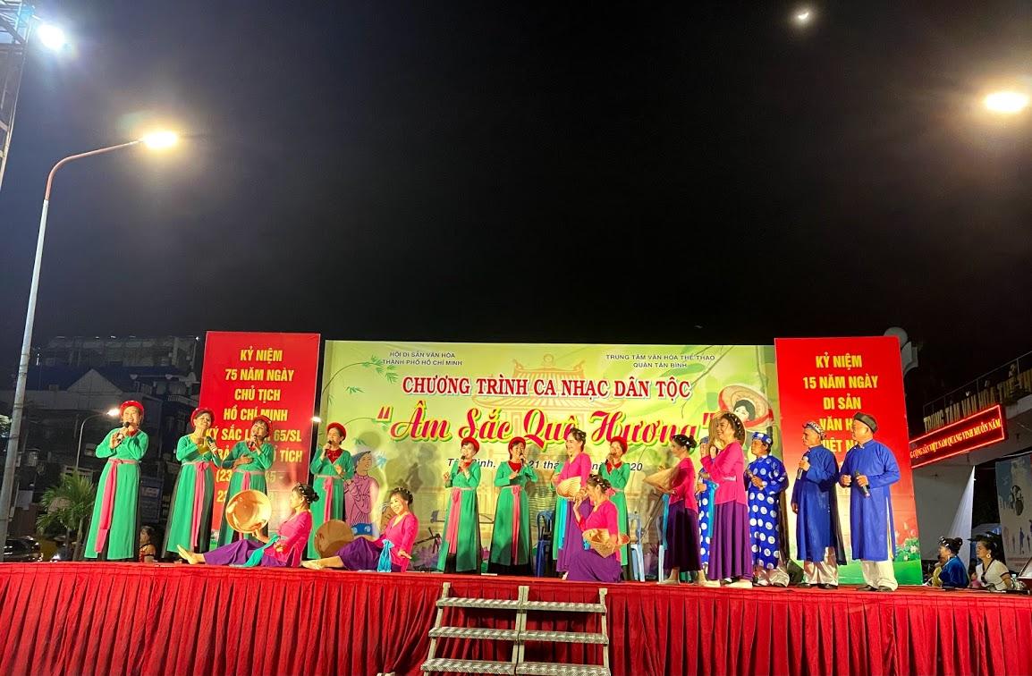 Phối hợp Hội Di sản văn hóa Thành phố Hồ Chí Minh tổ chức chương trình ca nhạc Dân tộc